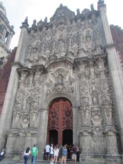 14006 -walking around downtown mexico city